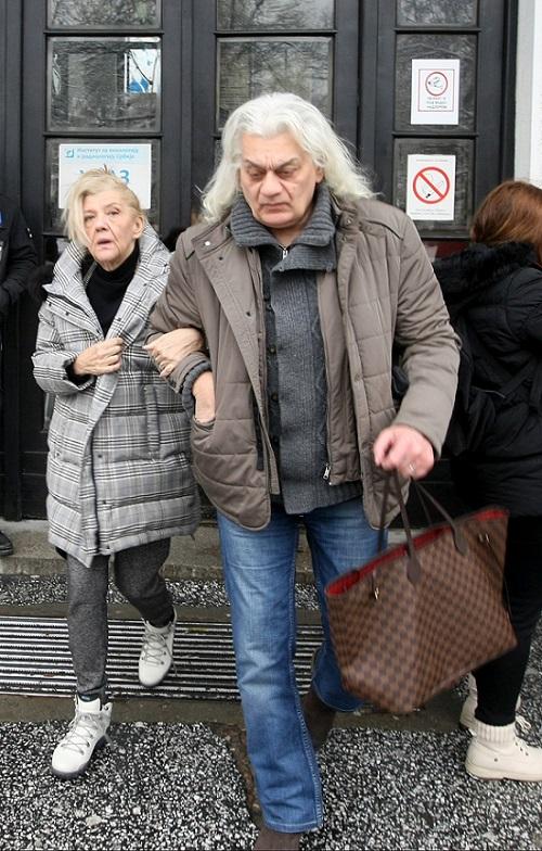 Marina Tucaković stabilno, Futa zaražen koronom!